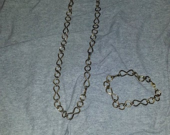 Gold Necklace With Matching Bracelet