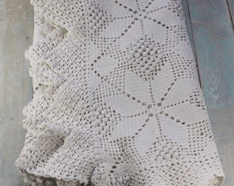 """French vintage white cotton table cloth. Star pattern with pointed edging.40"""" x 34"""", handmade"""