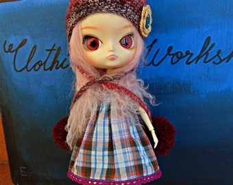 REDUCED         Outfit for Dal doll