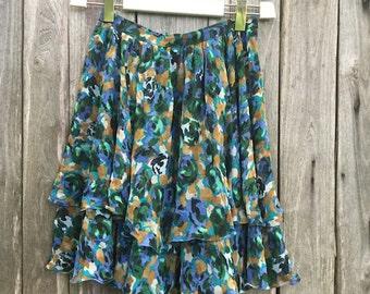 Vintage Skirt/ 90s/ floral design/ green/ high waist/ multicolor/ ruffles/ size M/ viscose/ zip