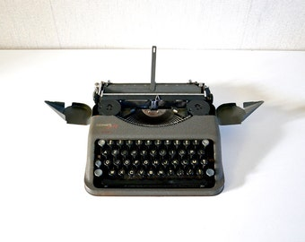 Vintage Hermes Baby Portable Typewriter 50s  / Grey Steel with Carrying Case / in working condition