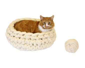 DIY Cat Bed, Crochet a Super Chunky Cat Pod Blanket, Giant Pure Merino Yarn Cat Mat, Small, Medium, Large Dog Bed, Extreme Knitting. K043