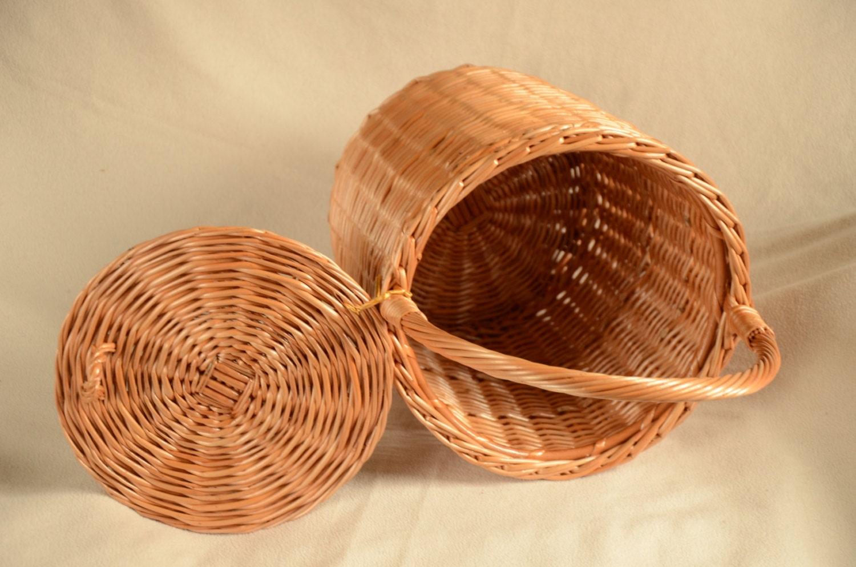 Round wicker basket basket with a lid round willow basket - Round wicker hamper with lid ...