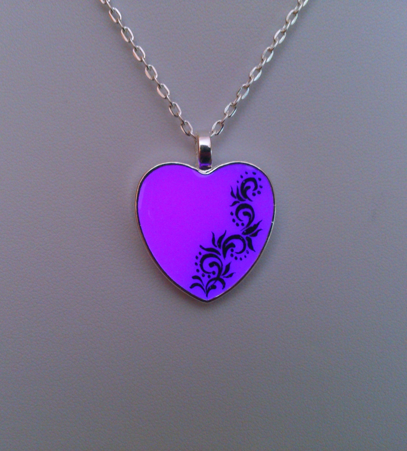purple glow necklace necklace gift glow