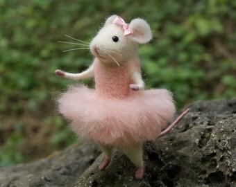 Mouse ballerina, Needle felt mouse, Felt ballerina mouse, White mouse, Needle felt animal, Needle felt miniature, Birthday gift, Home decor