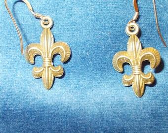 Vintage bronze Fleur-de-Lis earrings