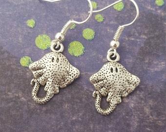 Stingray Earrings, Sealife Jewellery, Animal Earrings, Cute Jewellery, Kawaii Jewelry, Ocean Jewelry, Animal Jewellery, Stingray Gift