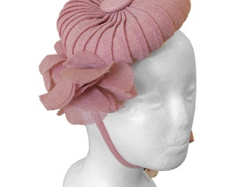 Beautiful Women's Vintage Pink 1940's Fascinator/Mini/Doll Hat, One Size