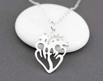 Anatomically Correct Heart Necklace, Anatomical Heart Jewelry, Human Heart Necklace, Gift for Surgeon, Cardiac Nurse, Doctor Necklace