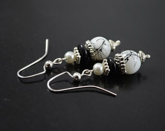 FREE SHIPPING, black and white earrings, black silver earrings, black earrings, white earrings, white beaded earrings, black and silver