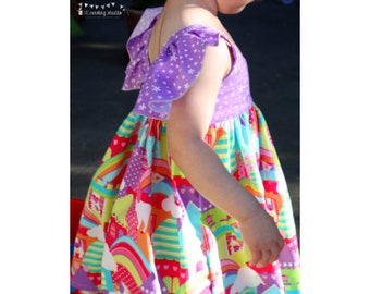 Girls dress unicorns. Girls dress flutter sleeves. Princess Castles Unicorns dress Girls birthday dress. Size 2T ready to ship.