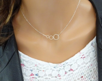Linked Rings necklace, Triple ring necklace, Three sisters, Best friend jewelry gift, Friendship, mother & daughter jewelry