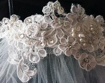 Bridal Comb, Alençon Lace hand-beaded w/ Swarovski Rhinestones & Pearls - Mariana