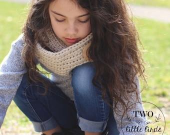 Crochet Pattern, crochet infinity scarf pattern, infinity scarf, scarf pattern with button, sizes child and adult, KEIRYN INFINITY SCARF
