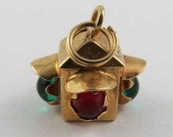 Four Way Traffic Light With Red & Green Stones 18K Gold Vintage Charm For Bracelet