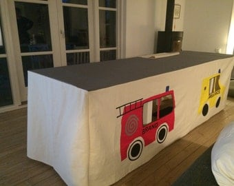Table tent with cars, customized