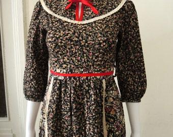 Vintage 70s Prairie Ditsy Floral Dress
