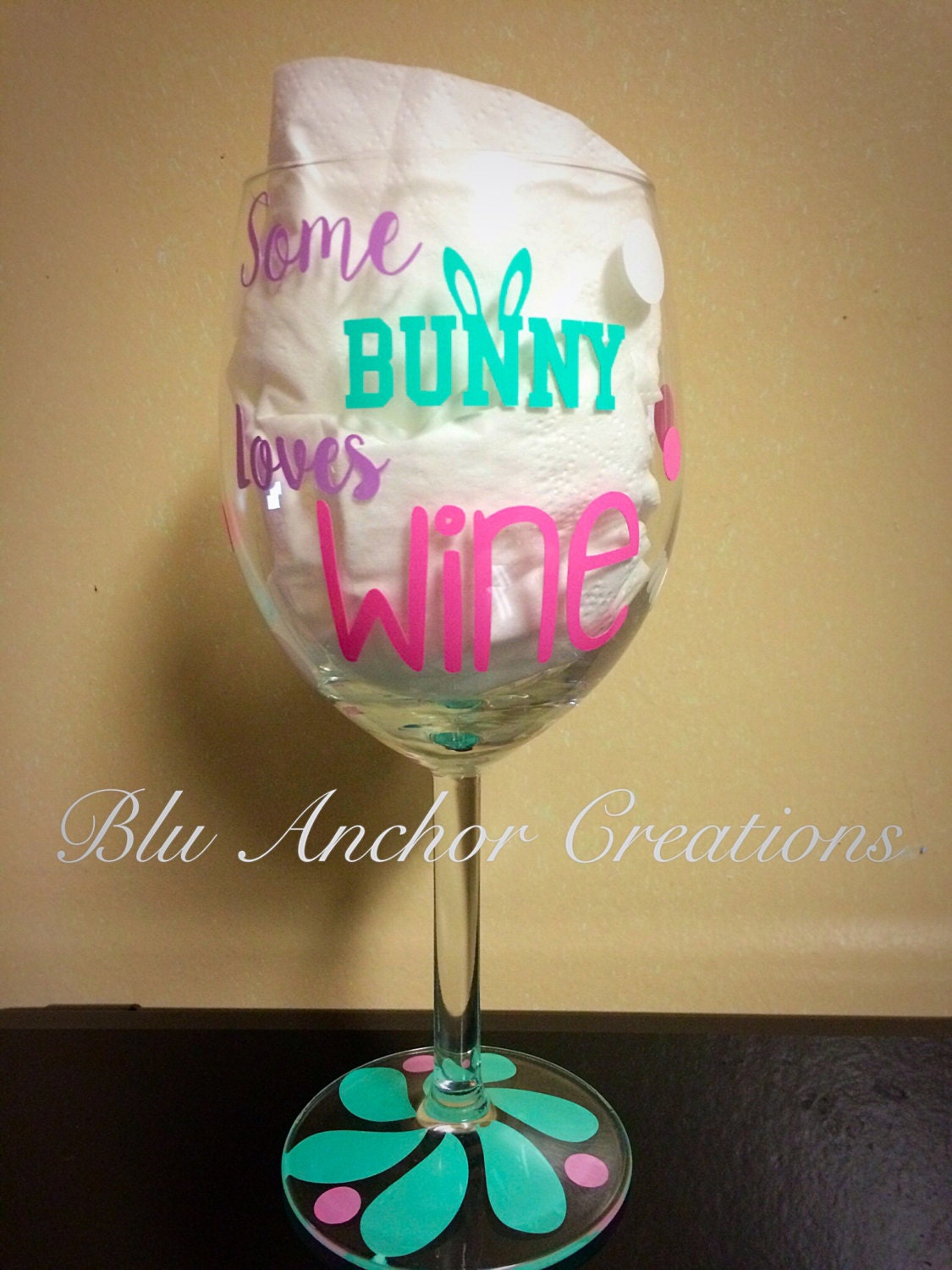 easter wine glass some bunny loves wine personalized wine. Black Bedroom Furniture Sets. Home Design Ideas