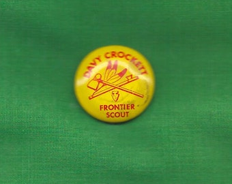 Vintage Davy Crockett Button