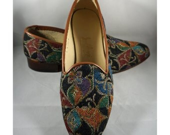 """Vintage & Handmade J. Alongi Shoes, Abstract floral design, woven tapestry fabric and Leather w 1"""" wood heel, 9 Wide"""