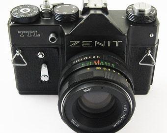 ZENIT TTL Vintage Russian 35mm film SLR Camera Helios-44M Lens Excellent