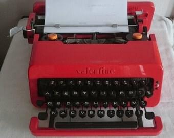 Vintage Olivetti Valentine Typewriter, Red Retro Plastic Typewriter, Mid-Century Classic Typewriter, French Keyboard