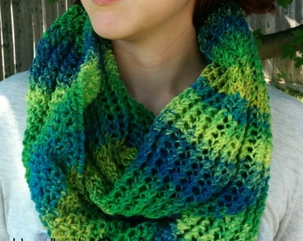 Infinity Scarf - fashion scarf - knit scarf -  cowl - knit cowl - circle scarf - chainmail pattern
