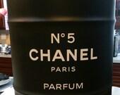 Chanel perfume drum. Large no 5 nightstand Chanel Paris eau de Parfum