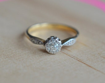 Antique Engagement ring 18ct gold 0.28ct Diamond Valuation held Size M1/2 US 61/4 2.20gms Rhodium plated. Diamond colour H