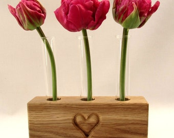 Bud Vase, perfect gift for a gardener. Personalise with names, images, etc.  Free UK Shipping. Ideal Wedding table decoration.