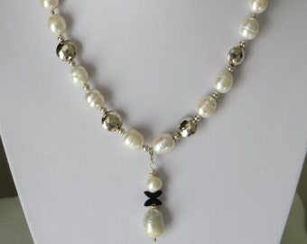 Classic, but new conception, of your Pearlnecklace  Ref 2269