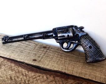 Black Gun Key Hook - Husband Christmas Gift - Wall Key Holder - Hunting Decor - Gun Decor - Decorative Wall Hooks - Hunting Gifts For Men