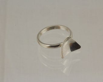 Reflections Ring: Triangle
