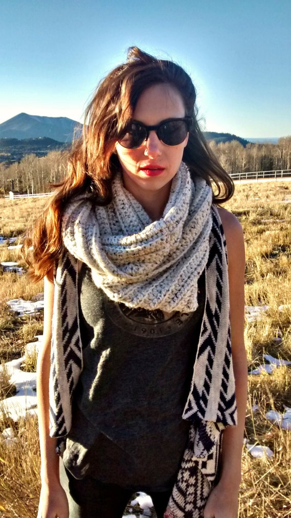 Chunky ribbed crochet infinity scarf in oatmeal