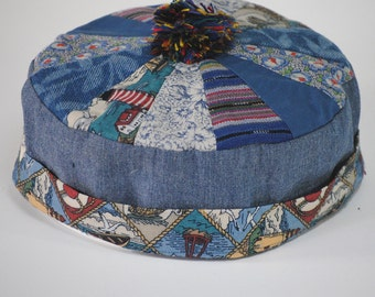 Bodhi hat #124 in shades of blue, available in size L