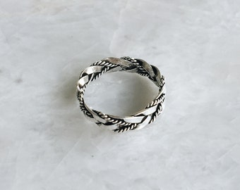 Double braided Silver toe ring, Sterling silver tribal toe ring, Boho silver toe ring, Minimalist jewelry (TR40)