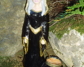 Cerridwen, goddess statue, witch figurine, halloween crone goddess, Samhain Celtic Goddess, wheel of the year, Avalon, ooak sculpture