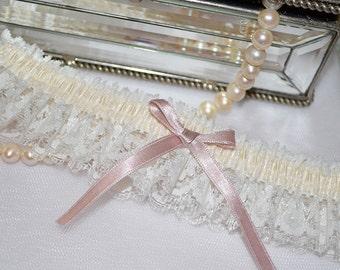 Ivory Lace Wedding Garter, Bridal Garter, Keepsake Garter, Wedding Garter