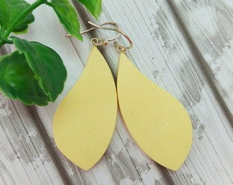 Handmade earrings, Yellow leaf earrings, Geometric clay earrings, Minimalist jewelry, Sterling silver, Air dry clay not polymer clay