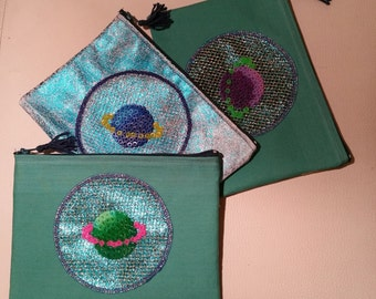 Pouches cosmic planets