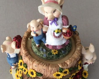 Piggie Family Musical Box