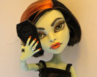 Monster High OOAK Custom Repaint Scarah Screams