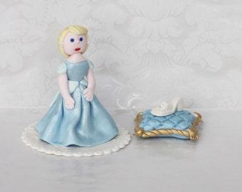 READY TO SHIP!! /Cinderella Fondant Cake Topper/ Princess Edible Cake Topper/ Cinderella Birthday cake Topper/ Cinderella edible shoe topper