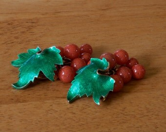 Vintage 1960's Green Leaf and Pink Glass Bead Fruit Clip On Earrings