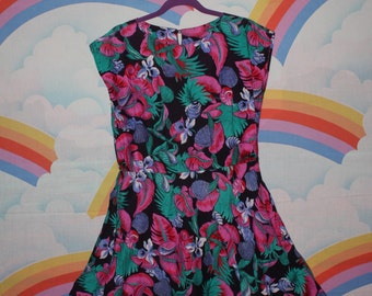 80's Vintage Hawaiian Print Floral Dress
