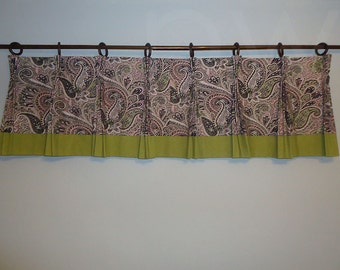 Pink and Green Paisley Pinch Pleat Valance