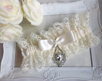 Ivory Lace Wedding Garter, Ivory Satin Lace Garter, Satin Bridal Garter, Ivory Lace Garter, Vintage Boho Ivory Garter, Heirloom Garter