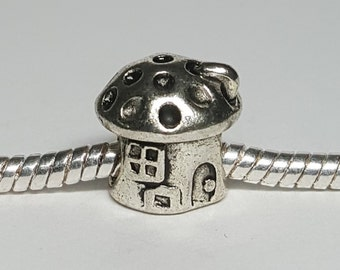Silver Mushroom House Charm for European Bracelets (item 169)