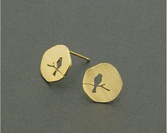 cut out bird stud earrings, gold circle bird earrings, silver bird earrings, robin, minimalist earrings, geometric