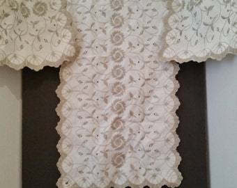 Vintage Ecru Linen Table Runner and Placemat Set